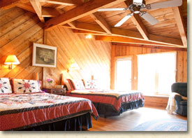 two queen size beds at smoky mountain getaway